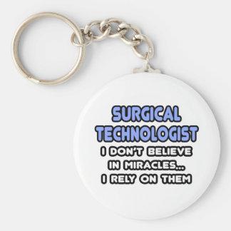 Milagros y tecnólogos quirúrgicos llavero redondo tipo pin