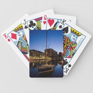Milano, ciudad en el río baraja cartas de poker