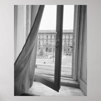 Milano Italia, visión desde la ventana de la ópera Póster
