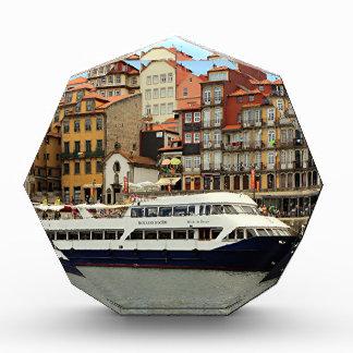 Milenio hace el barco del Duero, Oporto, Portugal