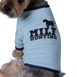 milf hunting pet t-shirt