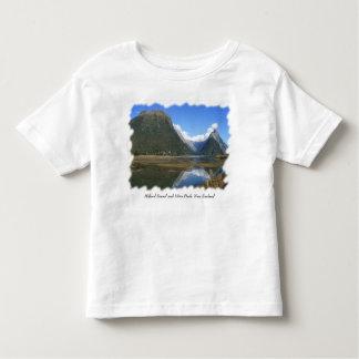 Milford Sound Bay, Mitre Peak, New Zealand Tshirts