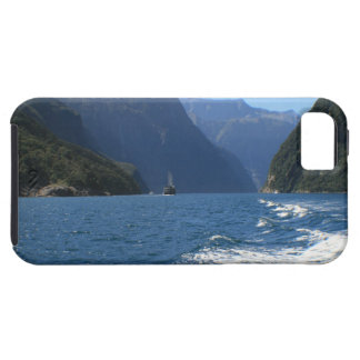 Milford Sound, New Zealand iPhone SE/5/5s Case