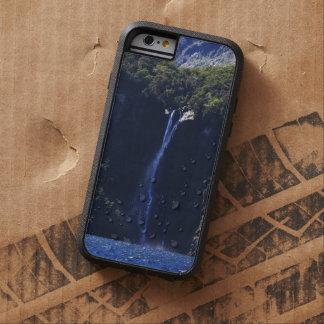 Milford Sound (Piopiotahi) Waterfall Tough Xtreme iPhone 6 Case