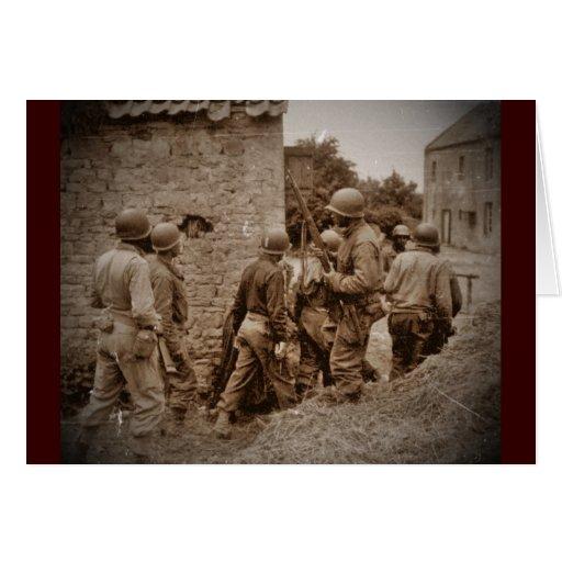 Militares afroamericanos que despejan edificios tarjeta de felicitación