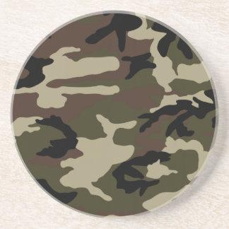 militares del ejército del modelo del camuflaje de posavasos cerveza