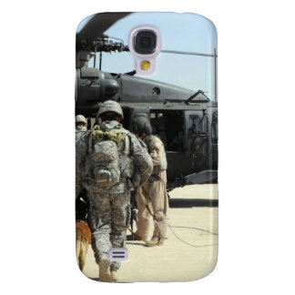 Military working dog handlers board a helicopte samsung galaxy s4 cover