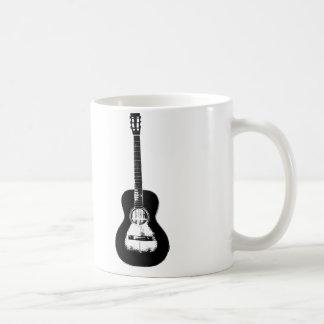"""Milkweed """"guitarra"""" del santo taza blanca clásica"""