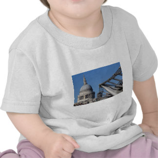 Millenium Bridge and St Pauls Cathedral Tshirt