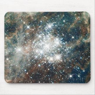 Millones de vía láctea del universo de la nebulosa alfombrilla de ratón