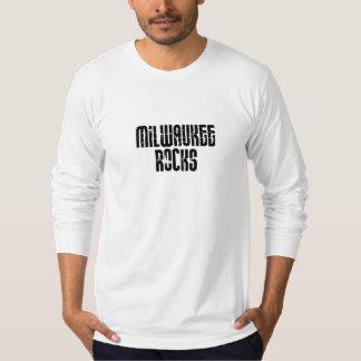 Milwaukee Wisconsin Rocks T-Shirt