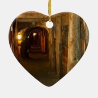 Mina de oro adorno de cerámica en forma de corazón