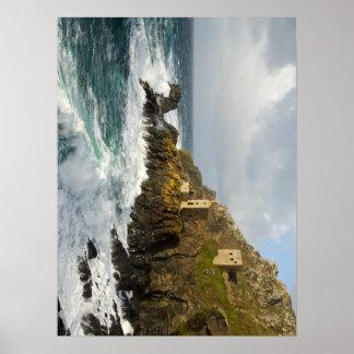 Minas de lata de Cornualles por el mar Póster