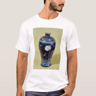 Ming vase with three colour decoration T-Shirt