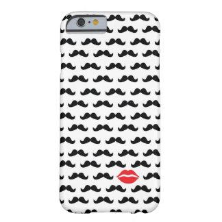 ¡Mini bigote divertido con los labios para su Funda Barely There iPhone 6