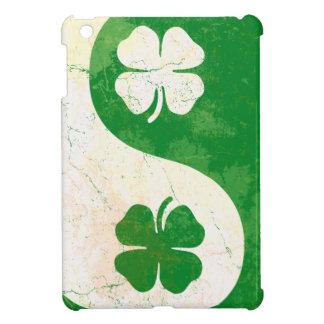 Mini caso del iPad irlandés del trébol Yin y de Ya