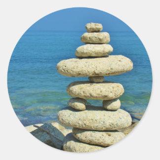 Mini diseño de piedra de la pila pegatina redonda