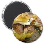 Mini sammies del jamón y del queso imán de frigorífico