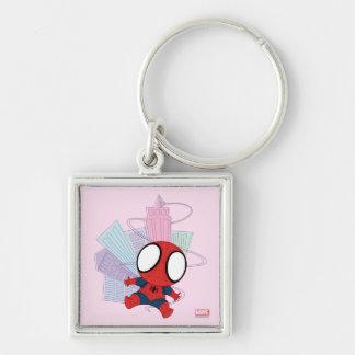 Mini Spider-Man y gráfico de la ciudad Llavero Cuadrado Plateado
