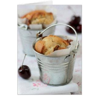Mini tortas de la cereza tarjeta pequeña