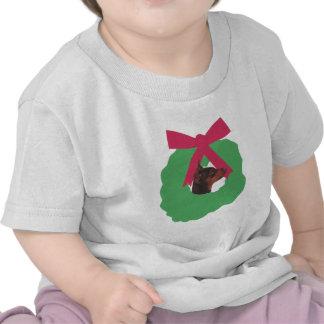 Miniature Pinscher Christmas Wreath T-shirt