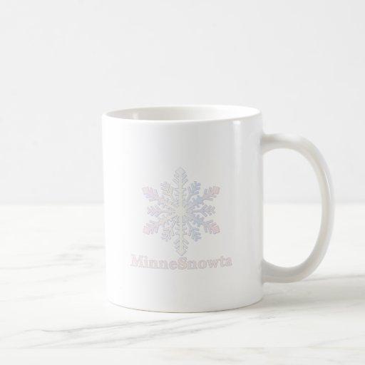 MinneSnowta con el copo de nieve Taza Clásica