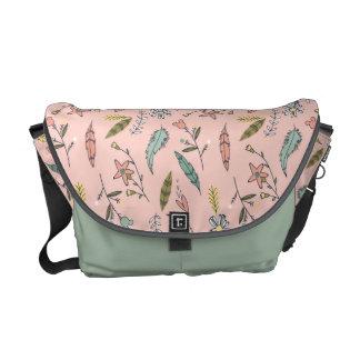 Minnie Mouse | Adventures Await Pattern Courier Bag
