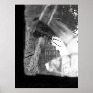 Mirada a través del vidrio en el otro lado… poster