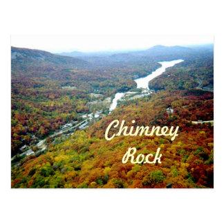 Mirada abajo de roca de la chimenea tarjetas postales