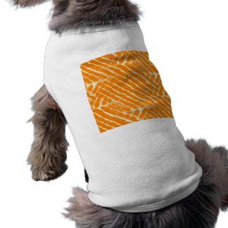 Mirada anaranjada de la lona de las rayas del playera sin mangas para perro