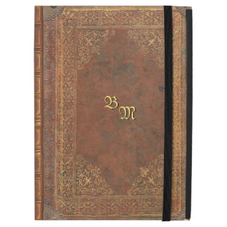 Mirada antigua del libro con sus iniciales