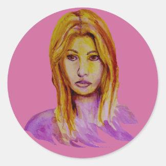Mirada áspera del retrato de la mujer pintada a pegatina redonda