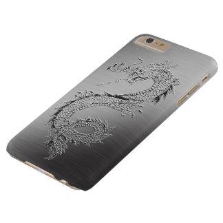 Mirada cepillada dragón del metal del vintage funda de iPhone 6 plus barely there