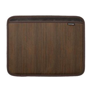 Mirada de bambú de la nuez oscura funda  MacBook