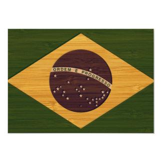 """Mirada de bambú y bandera grabada del Brasil del Invitación 5"""" X 7"""""""