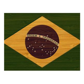 Mirada de bambú y bandera grabada del Brasil del Tarjeta Postal