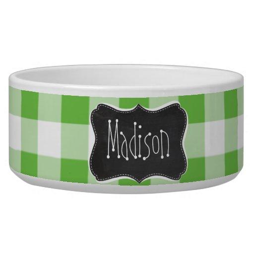 Mirada de la pizarra del vintage, a cuadros verde; bol para perro