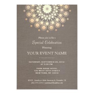 """Mirada de lino de color topo del oro del adorno invitación 5"""" x 7"""""""
