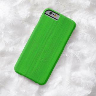 Mirada de madera de bambú verde clara del grano funda para iPhone 6 barely there