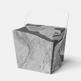 Mirada de pavimentación de piedra gris decorativa cajas para regalos de fiestas
