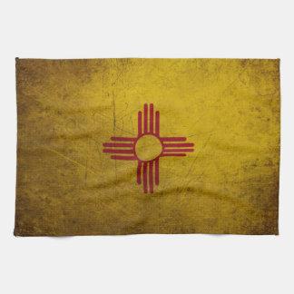 Mirada del Grunge de la bandera de New México Toalla De Cocina