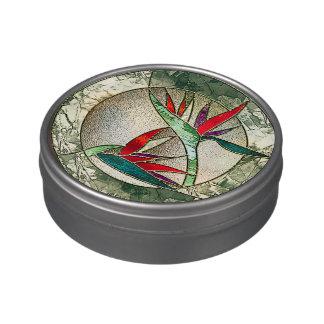 Mirada del vitral de la flor de la ave del paraíso latas de caramelos