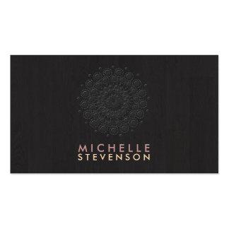 Mirada grabada en relieve elegante del adorno del tarjetas de visita