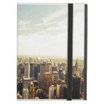 Mirada hacia fuera sobre el horizonte de New York