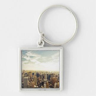 Mirada hacia fuera sobre el horizonte de New York  Llavero Cuadrado Plateado