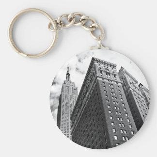 Mirada para arriba - el Empire State Building - de Llavero Redondo Tipo Pin