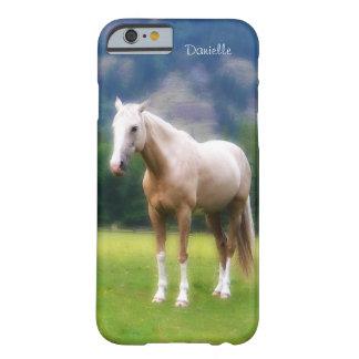 Mirada pintada caballo suave soñador del Palomino Funda De iPhone 6 Barely There