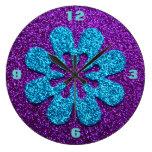 Mirada púrpura y azul de la flor retra del brillo relojes de pared