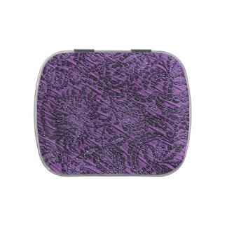Mirada real púrpura oscura de la tela
