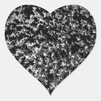 Mirada veteada blanco y negro pegatina en forma de corazón